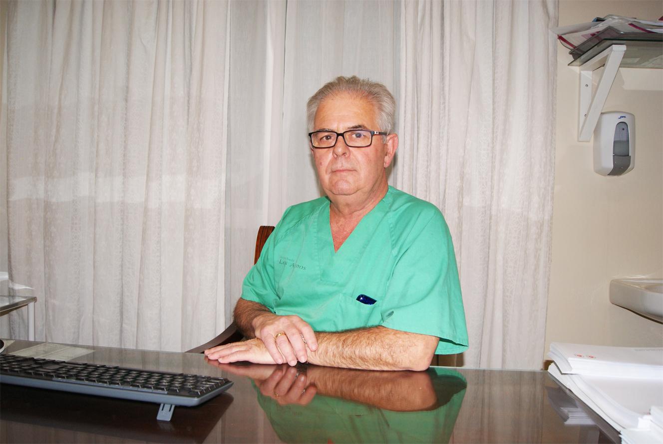 Dr. Cristóbal Bernal Triano